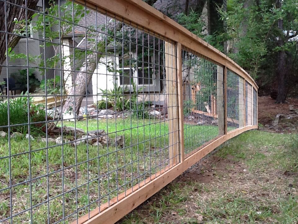 Bull wire fence with cap and trim wire fence panels