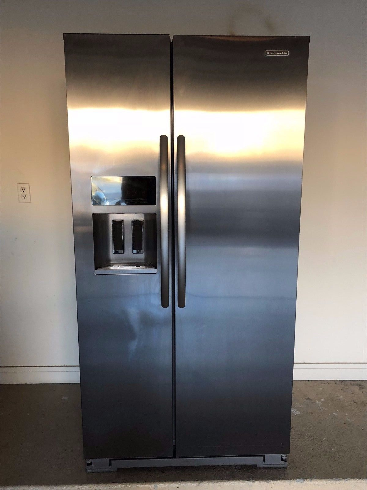 Kitchen Aid Refrigerator Stainless Side By Side With Ice Water Dispenser Kitchenaid Refrigerator Refrigerator Kitchen Aid