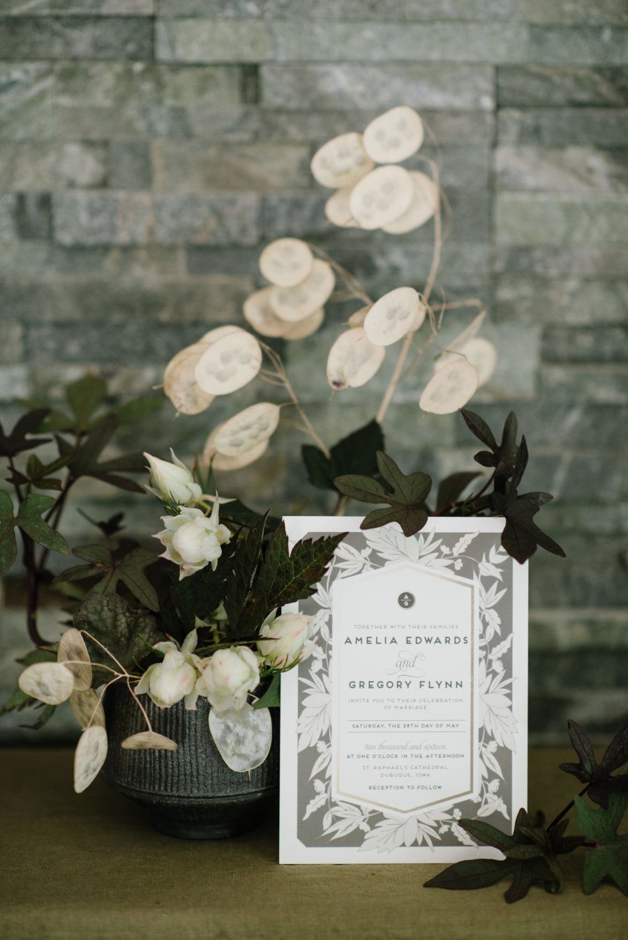 Photography : Heather Nan Photography Read More on SMP: http://www.stylemepretty.com/2016/11/28/weve-got-the-secret-to-the-best-wedding-invites-ever/