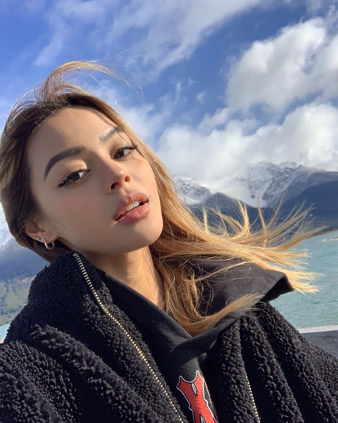 "Мagazine Fashion 17 Only Sweet Girls: @lilymaymac On Instagram: ""New Zealand Is Cute 🏔"""