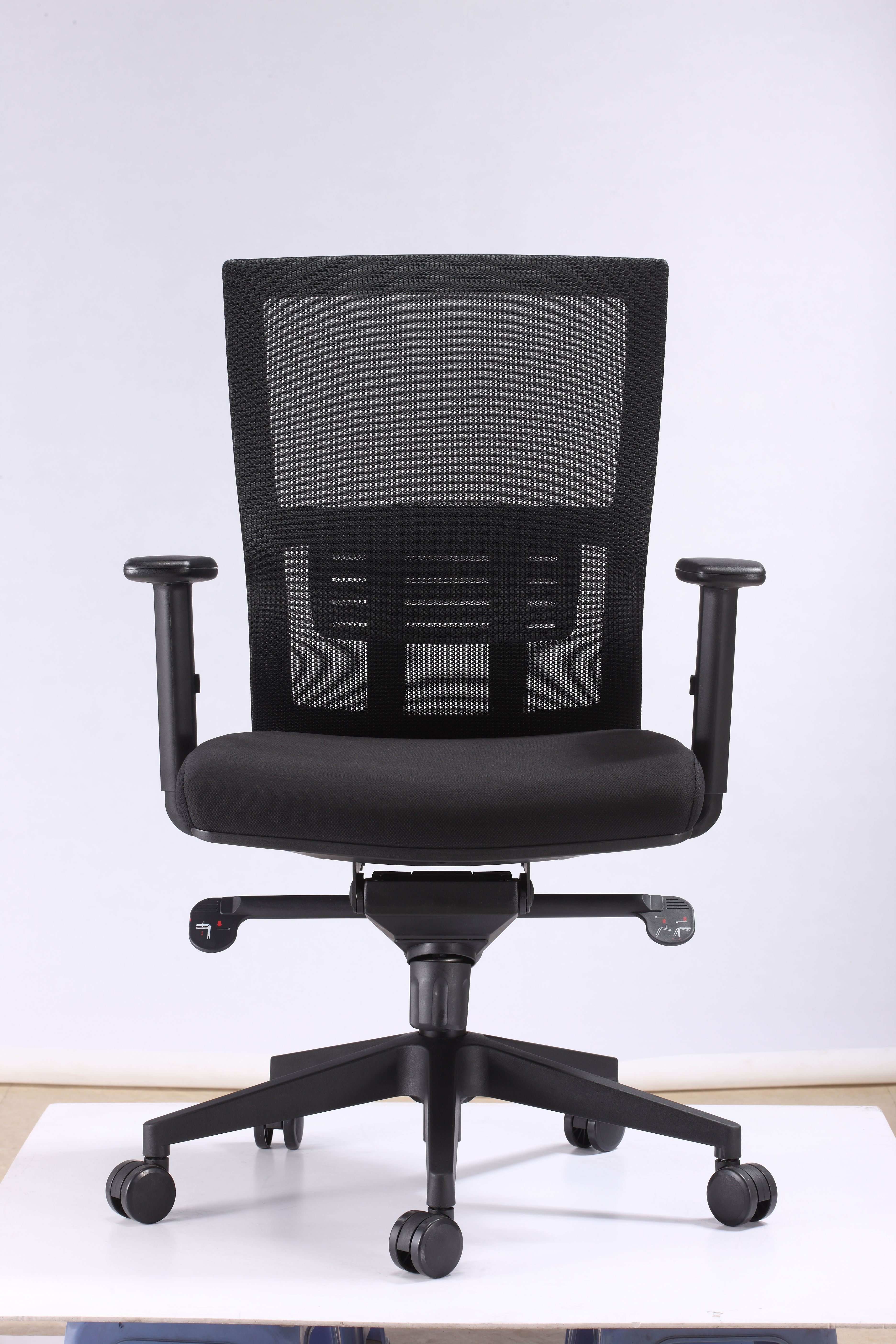 [Hot Item] Modern Black Offfice Furniture Mesh Staff Chair