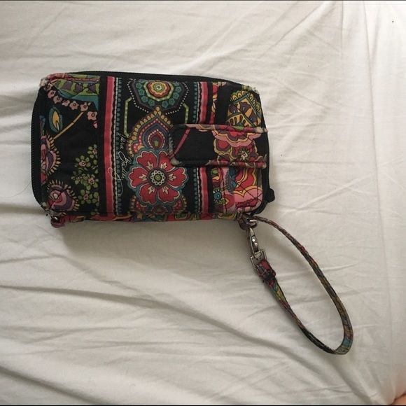 Colorful Vera Bradley Wristlet Colorful Authentic Vera Bradley Wristlet. Used but in great condition, no tears , or stains Vera Bradley Bags Clutches & Wristlets