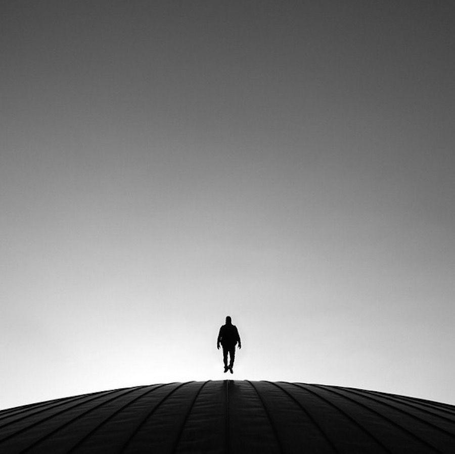 Руи Вейга. Свет, тень, геометрия, силуэт. - В съёмке Руи Вейга интересуют линии и геометрические фигуры, игра света и тени, а также он нередко включает в композицию силуэты людей.    Руи Вейга (Rui Veiga) живёт в Лозанне. Фотографировать начал для развлечения, но так увл