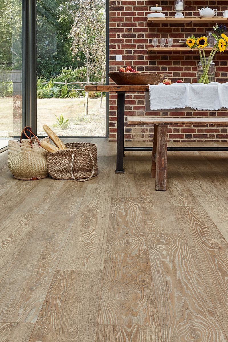 Series Woods Professional 12mm Laminate Flooring Lion Oak Inexpensive Flooring Natural Flooring Natural Oak Flooring
