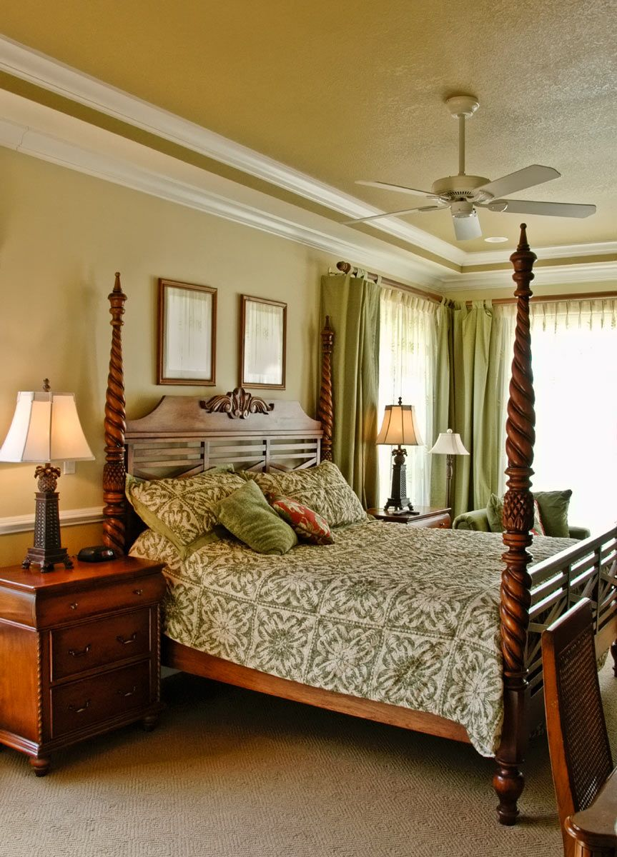 Crown molding makes this room look complete and it a