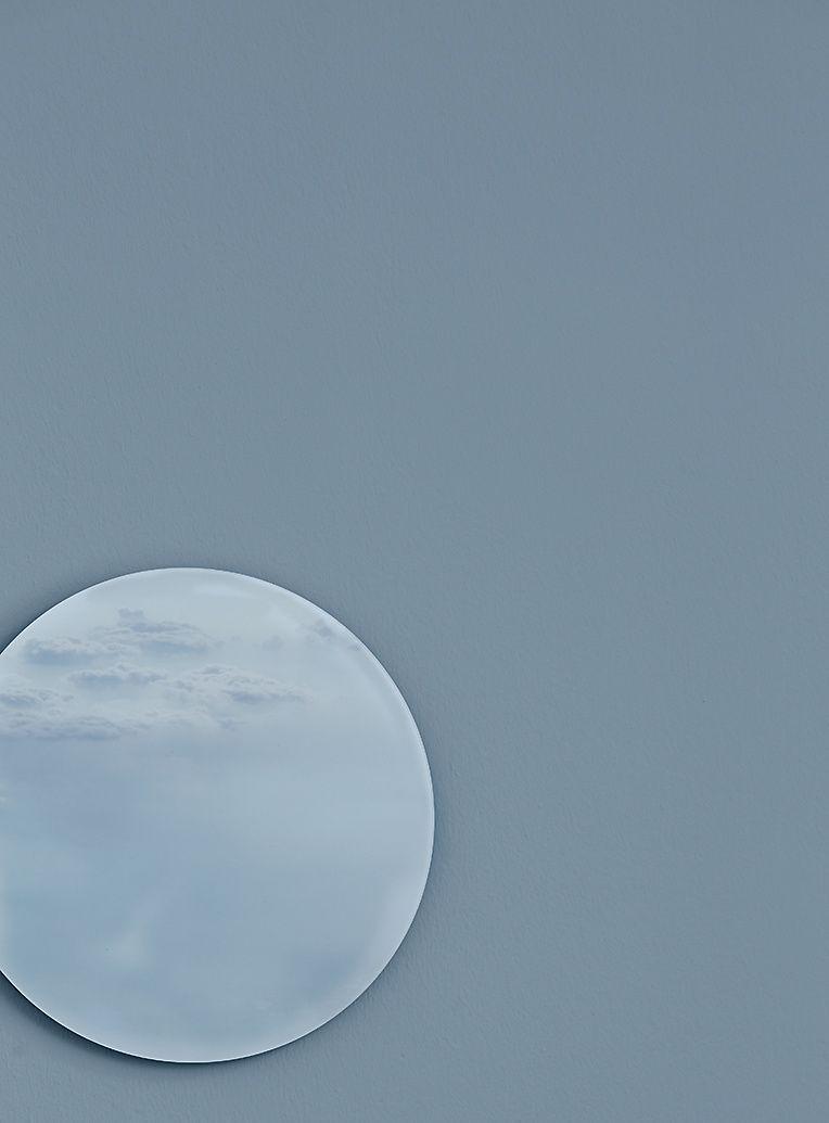 Alpina Alpina Fine Colors Nr 14 Ruhe Des Nordens Immer Noch Grau Blau Alpina In 2020 Feine Farben Wandfarbe Graublau Graublau