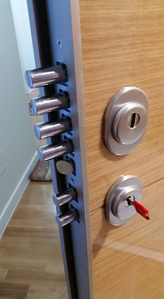 Seguridad puerta aluminio cerradura