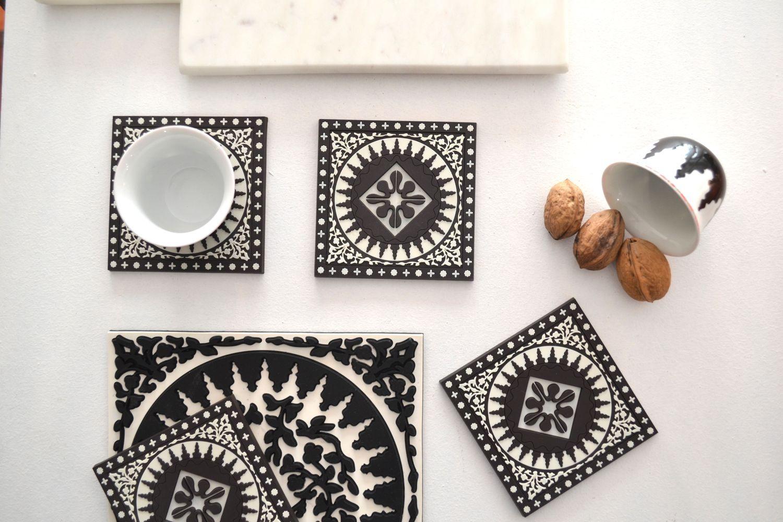 Dessous De Verre Noir Et Blanc Motif Libanais Mosaique Images D  # Verres Noirs Et Blanc