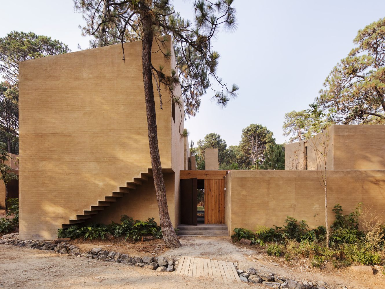 Gallery Of Entrepinos Housing Taller Hector Barroso 19 Architecture Weekend House Modern House Design