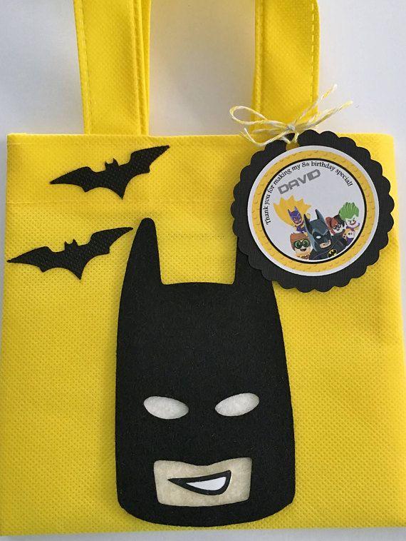 96b8142d9 Estos tratan bolsas son un complemento perfecto para tu fiesta temática de  Lego Batman. Es la manera perfecta de decir Gracias, para celebrar el día  grande ...