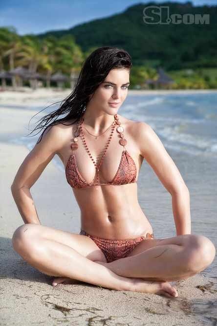 Hilary Rhoda 2009 Sports Illustrated Swimsuit Edition