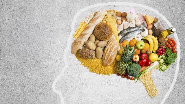 Podríamos pensar que un cerebro sano sabe perfectamente tomar nota de lo que ha comido, pero investigaciones recientes muestran que es fácil engañar a nuestra mente.