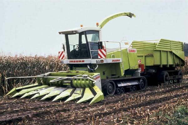 Claas Bildergalerie Tractorbook Technische Daten Von Traktoren Und Landmaschinen Landmaschinen Traktoren Landwirtschaftliche Maschinen