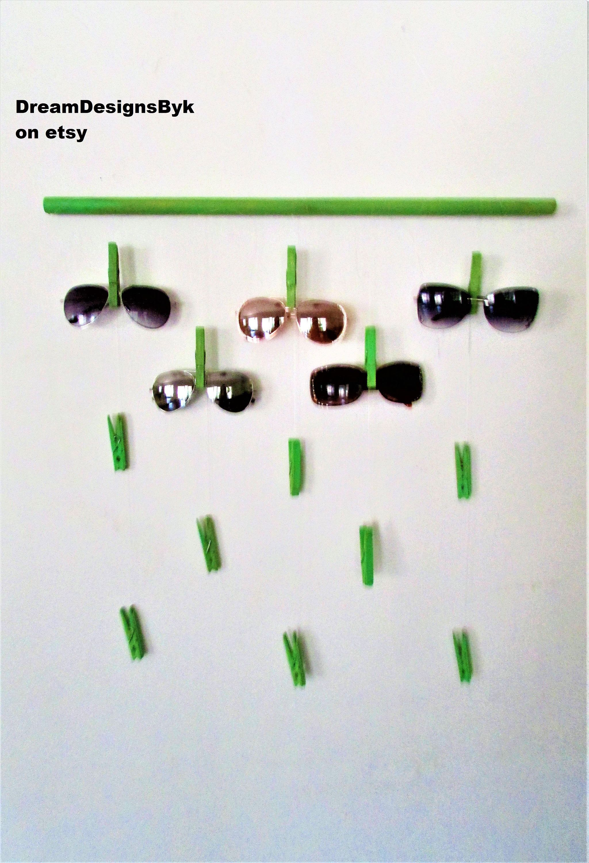 wall sunglasses holder-sunglasses display-eye wear showcase-Eyeglass ...