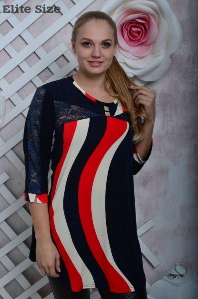 Туника женская батал яркая с гипюровыми вставками красный