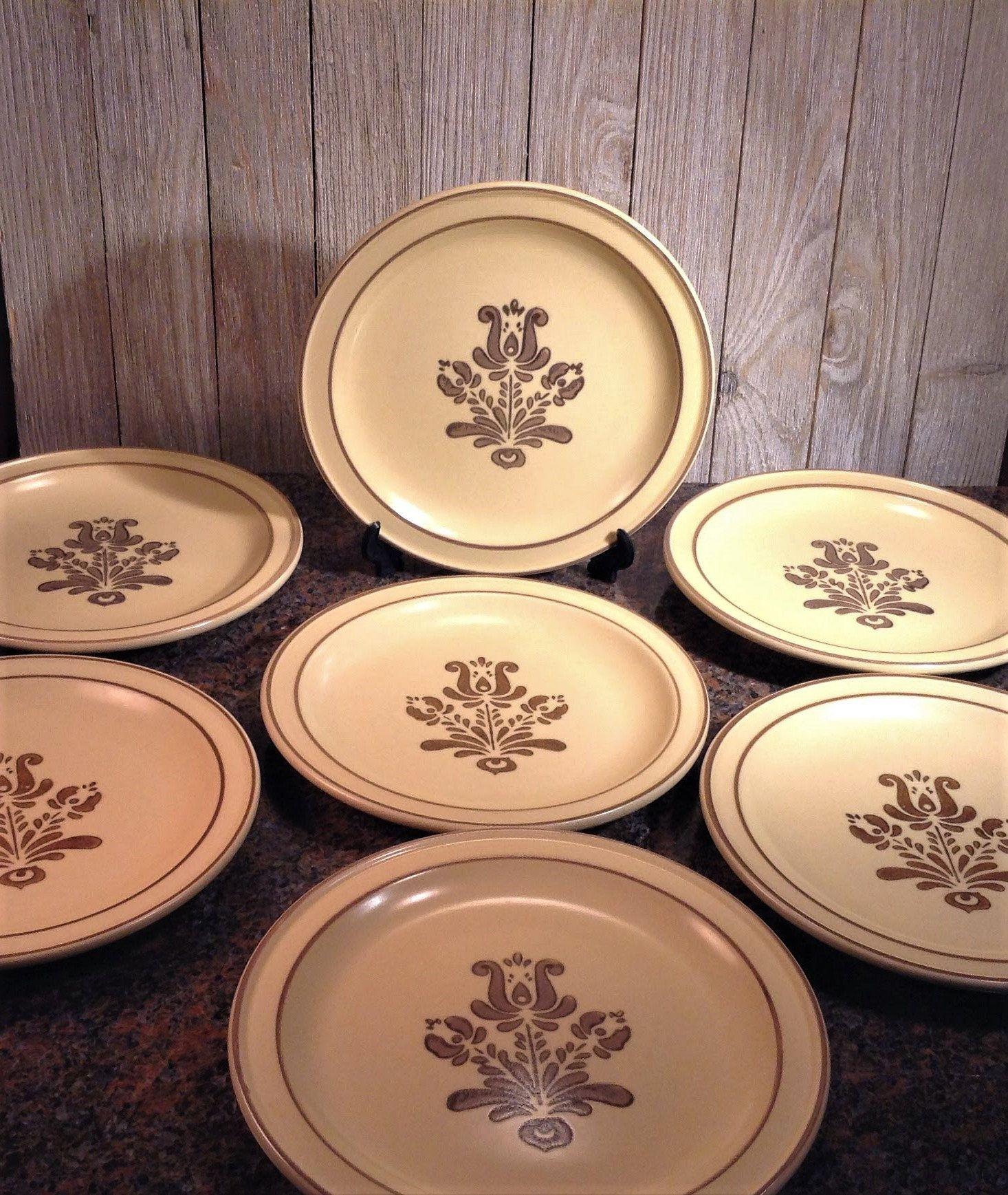 7 Pfaltzgraff Village Salad Plates Set Of 7 Vintage Pfaltzgraff Plates 7 1 8 Stoneware Dishes Dessert Bread Butter Plates Usa Stoneware Dishes Plates Pfaltzgraff [ 1737 x 1466 Pixel ]