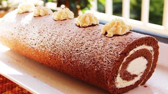 Украсьте при подаче ягодками, орешками, стружкой шоколада, сахарной пудрой, что бы придать нарядный вид.