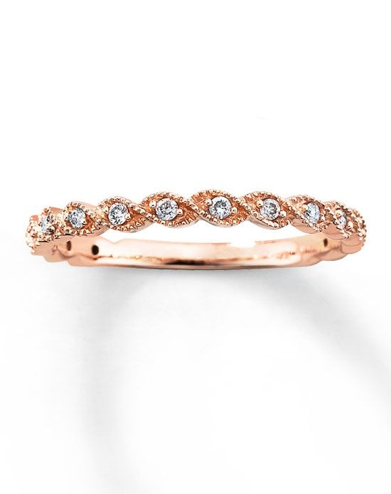 Round Sparkling Diamonds Are Set In Twists Of Rose Gold This Lovely Diamond Ring Band For Her The Has A Total Weight Carat