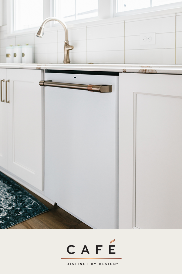 Built In Dishwashers Make Your Dishes Sparkle And Shine Carley Page Photography Kitchen Designed By Gretchen Kitchen Design Kitchen Remodel Kitchen Style