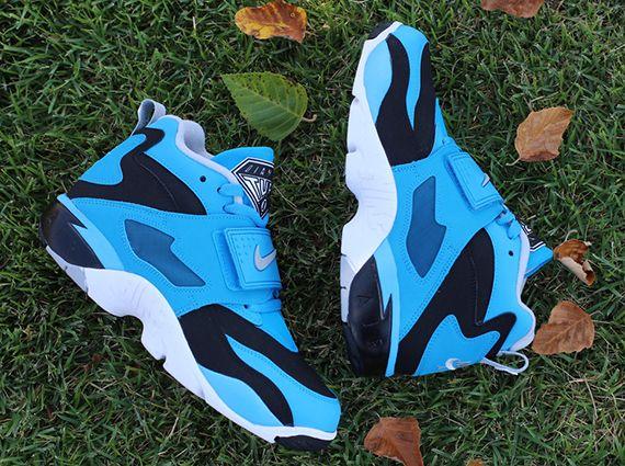 Nike Air Diamond Turf - Black - Wolf Grey - Blue Hero - SneakerNews ... a7befae6c5ea