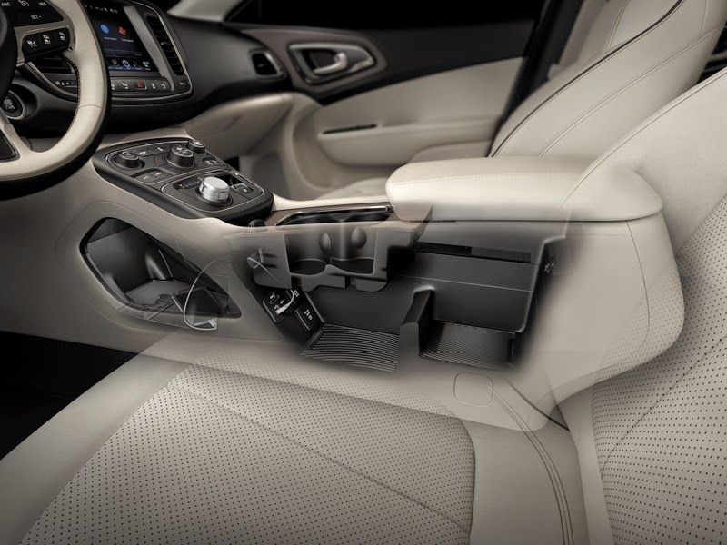 2015 Chrysler 200   Interior Center Console