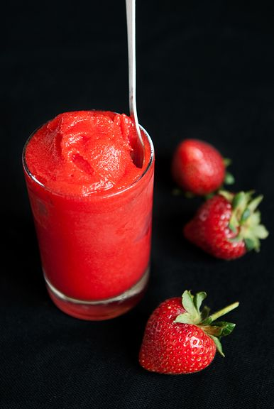 A GORGEOUS STRAWBERRY SORBET RECIPE. WITHOUT THE RUM OF COURSE.