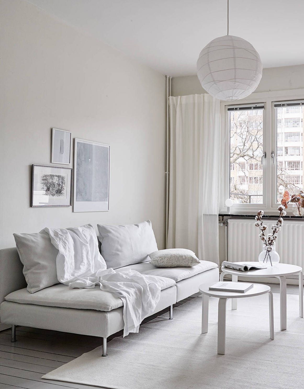 Wohnung Wandgestaltung All White Home With A Vintage Touch New House Diseños