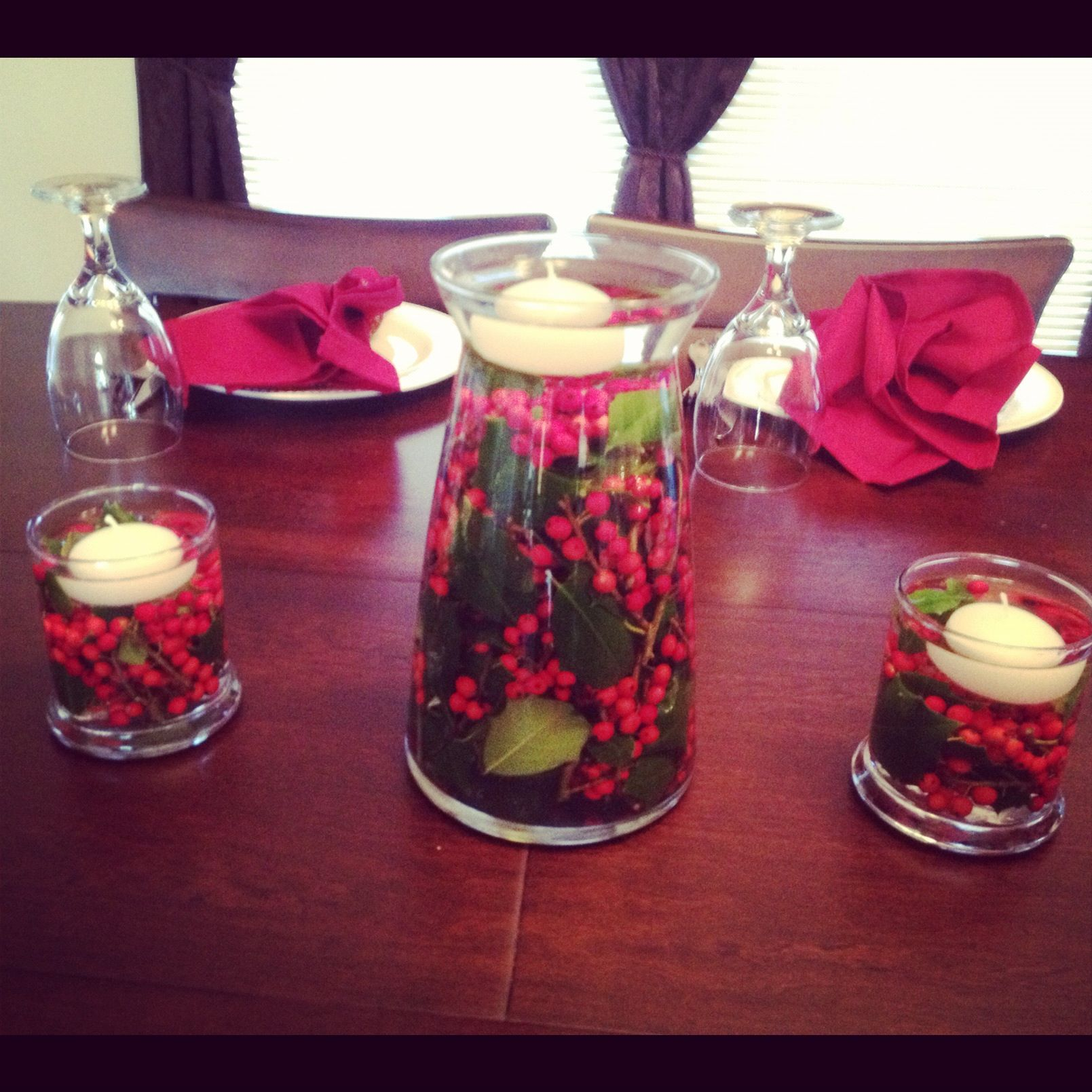 Christmas centerpieces large vase and two small candle Small christmas centerpieces