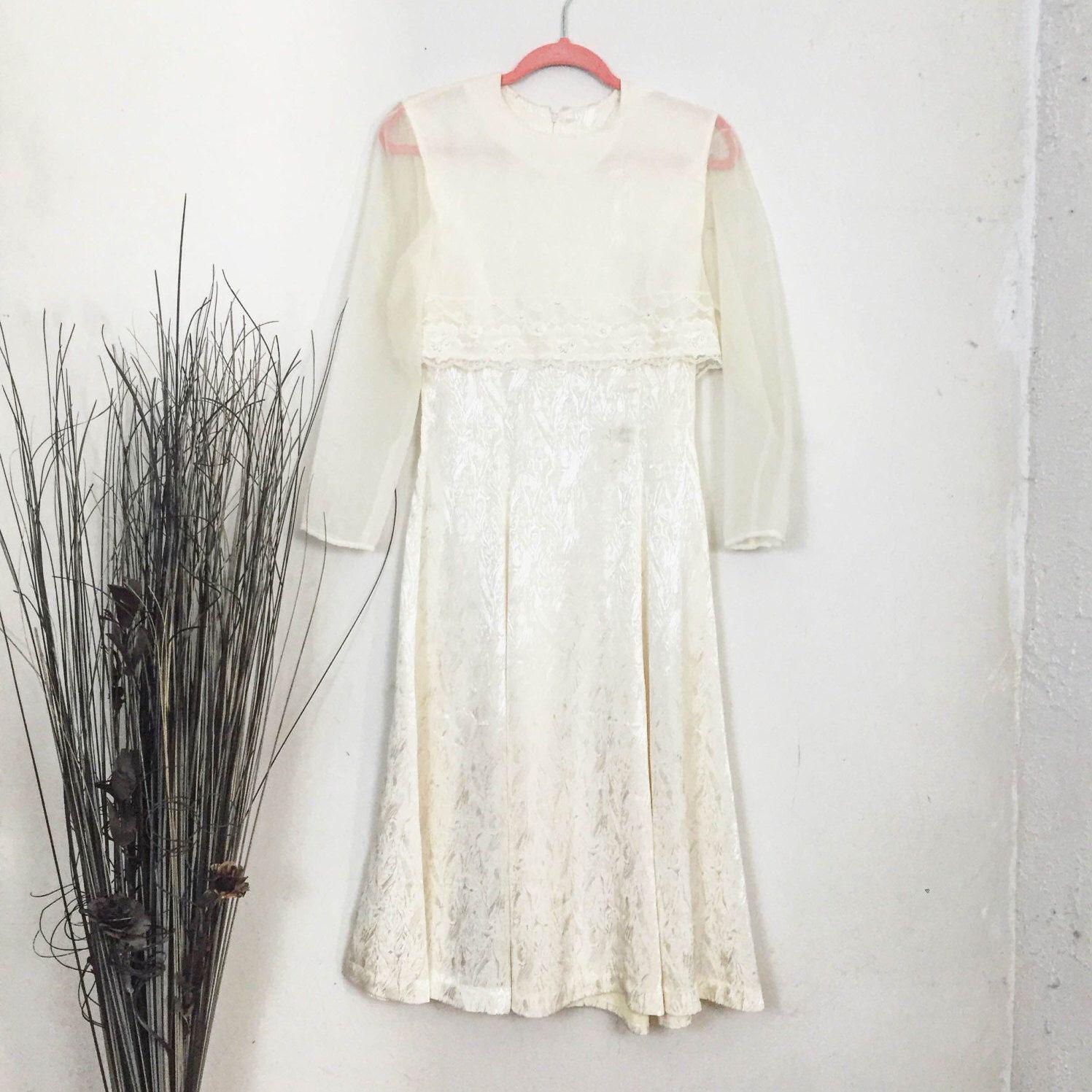 1960 wedding dresses  us Vintage Wedding Dress by SwenetThreads on Etsy