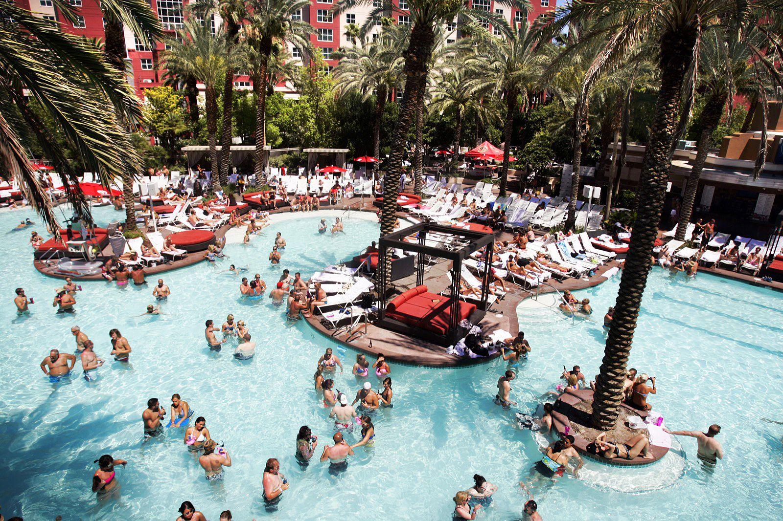 The Flamingo Las Vegas pool kicks it old school with lots