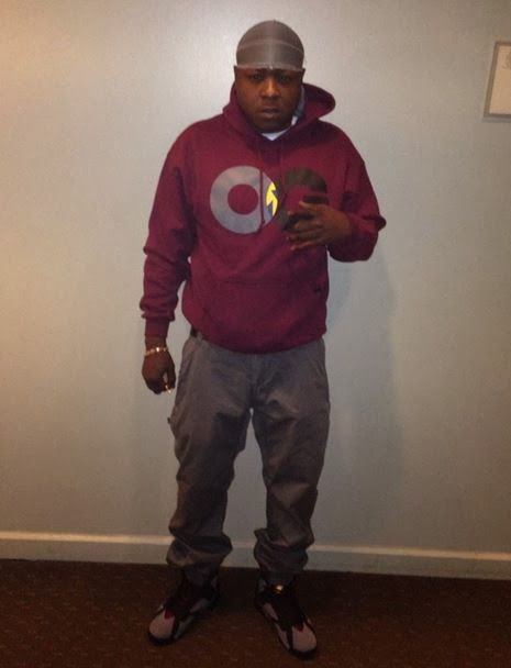 "146f69ed71ac31 Celeb Sneaker Game  Jadakiss Rocking Air Jordan 7 ""Bordeaux"" Sneakers"