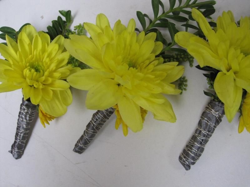 Flowers by Mary Lynne  www.flowersbymarylynne.ca  email: mloconnor@dccnet.com  Delta, BC, Canada