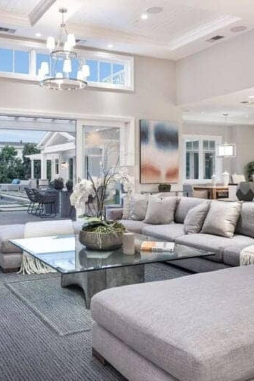 I Marlene King S Encino Home 5 3 Million In 2020 With Images Big Living Room Design Big Living Rooms Mansion Interior