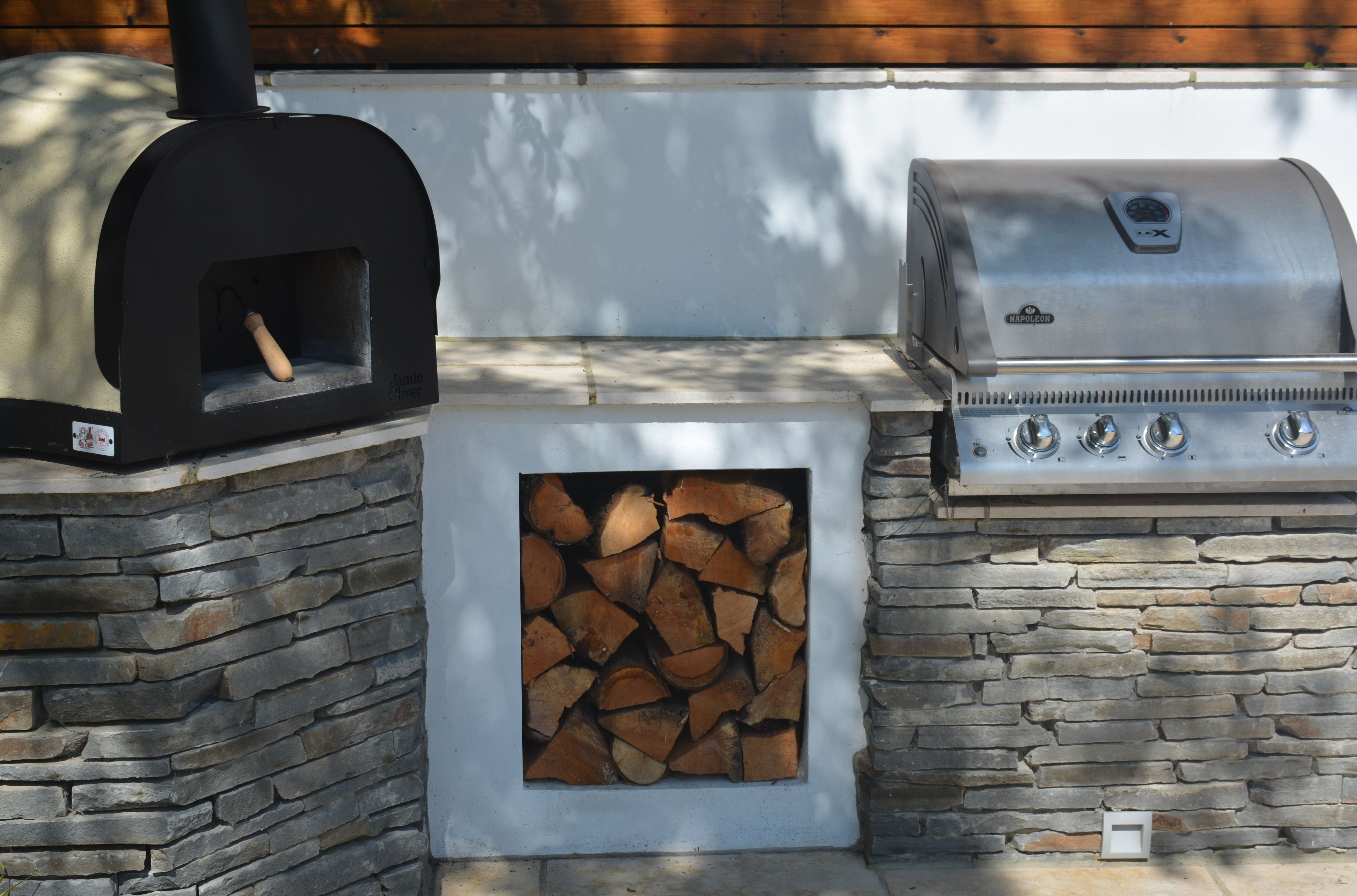 Pizza Oven And Barbecue By Robert Hughes Garden Design Barbecuedesign
