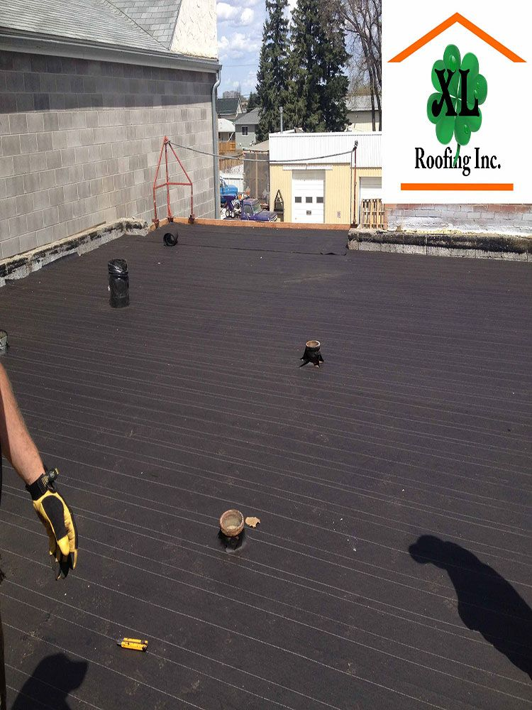 This Is A Look At A Vapour Barrier Nailed Down The Wood Deck It Is The First Step Of Installing A New Roof With This Sp Commercial Flat Roof Roofing Flat