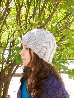 bella's hat --nice bulky cable hat