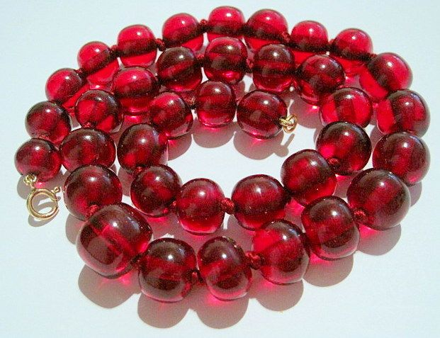 Art Deco 10k Cherry Amber Bakelite Graduated Bead Necklace