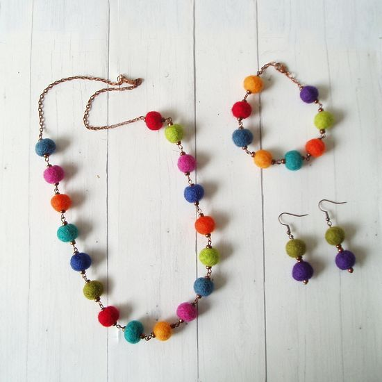 Felted Wool Ball Necklace Set #feltedwoolcrafts