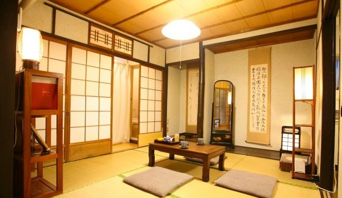 Miniature inspiration for a Japanese ryokan dollhouse.