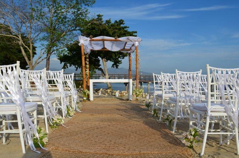 Cómo decorar las sillas de una boda en la playa - sillas de playa