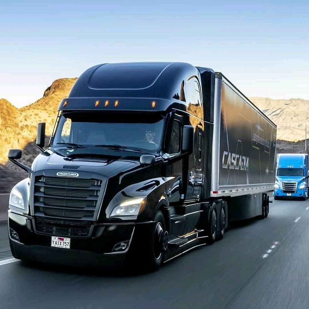Global Trucks Buses On Instagram Freightliner Cascadia Daimler Na Freightliner Glo Freightliner Trucks Freightliner Cascadia Freightliner