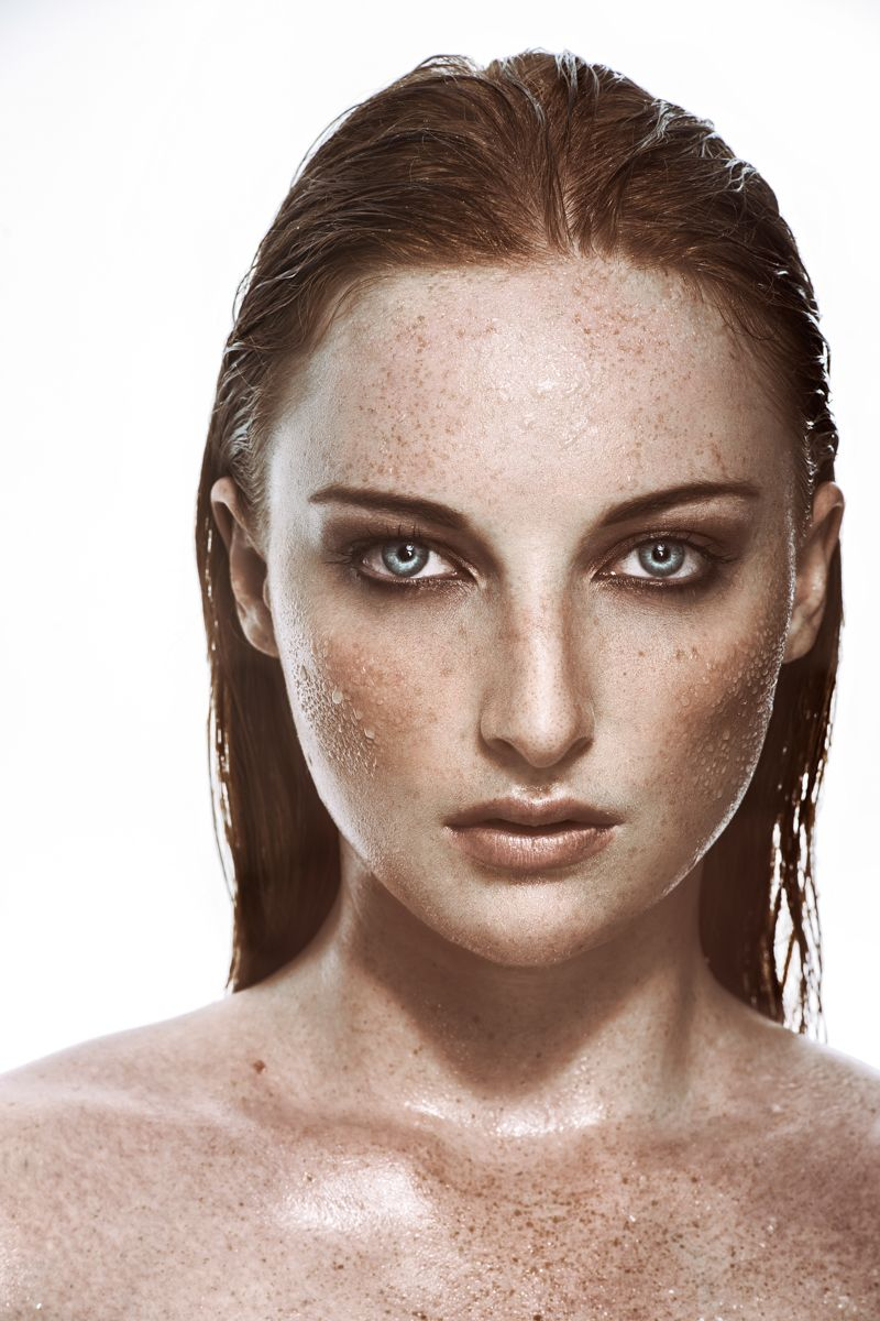 Photographer: Matthias Reiser / Model: Anna Baur