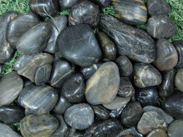 Nizza Black Rock für die Landschaftsgestaltung # 11 Black Polished River Rock Landscaping #riverrocklandscaping