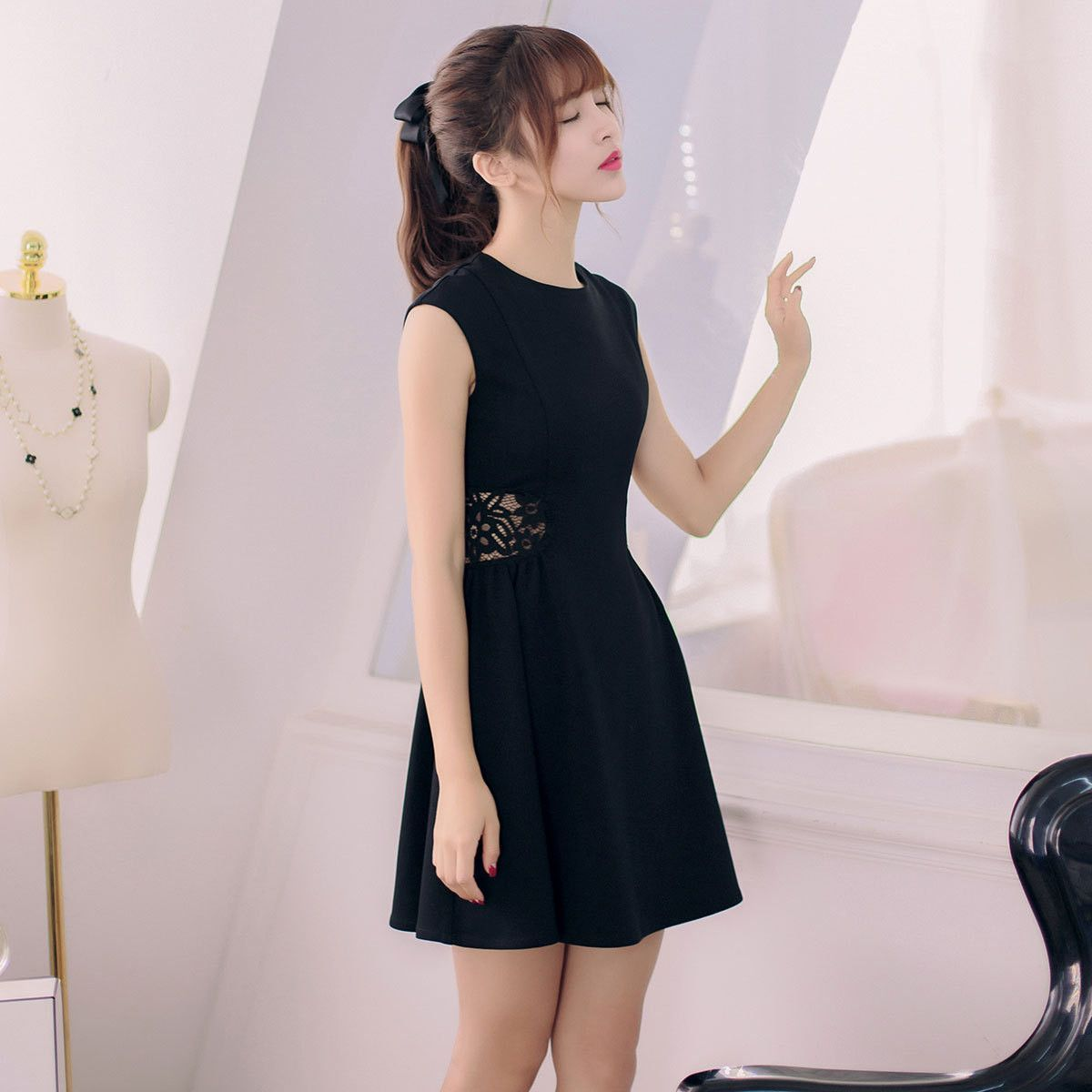 27aadfa9342720 Korean fashion round neck sleeveless lace dress More
