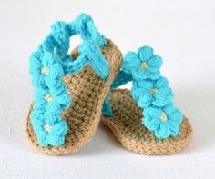 CROCHET PATTERN for sweet little Baby Sandals with Puff Flowers - summer has never been such fun! These sandals have nice chunky soles and