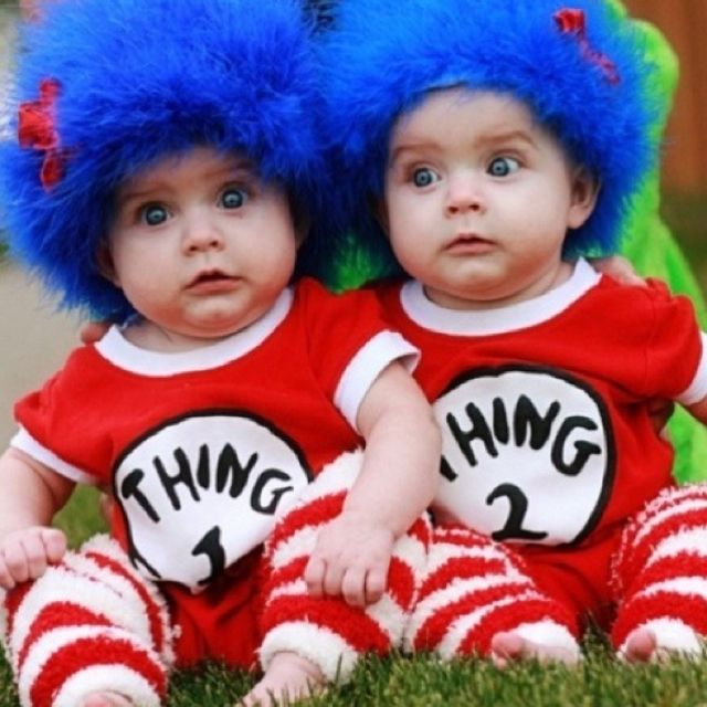 Thing 1 and Thing 2 look at their facial expressions! Thing1 - super easy halloween costume ideas
