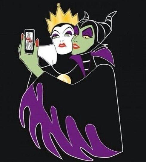 evil besties selfie