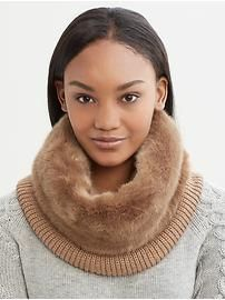 Faux-fur neck warmer