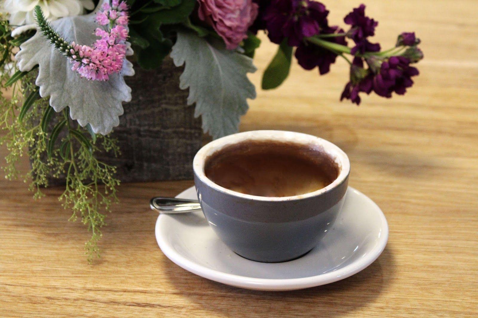 Voyageur du Temps - Los Altos, CA. Bay Area Guide/Coffee Hosues