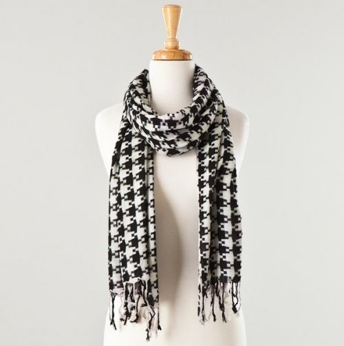 Hounds tooth Scarf.   Comfy Clothes   Pinterest   Hounds ...